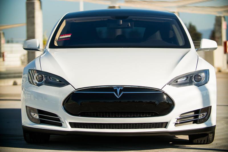 ¿Por qué los autos de Tesla podrían evitar contagio de coronavirus?