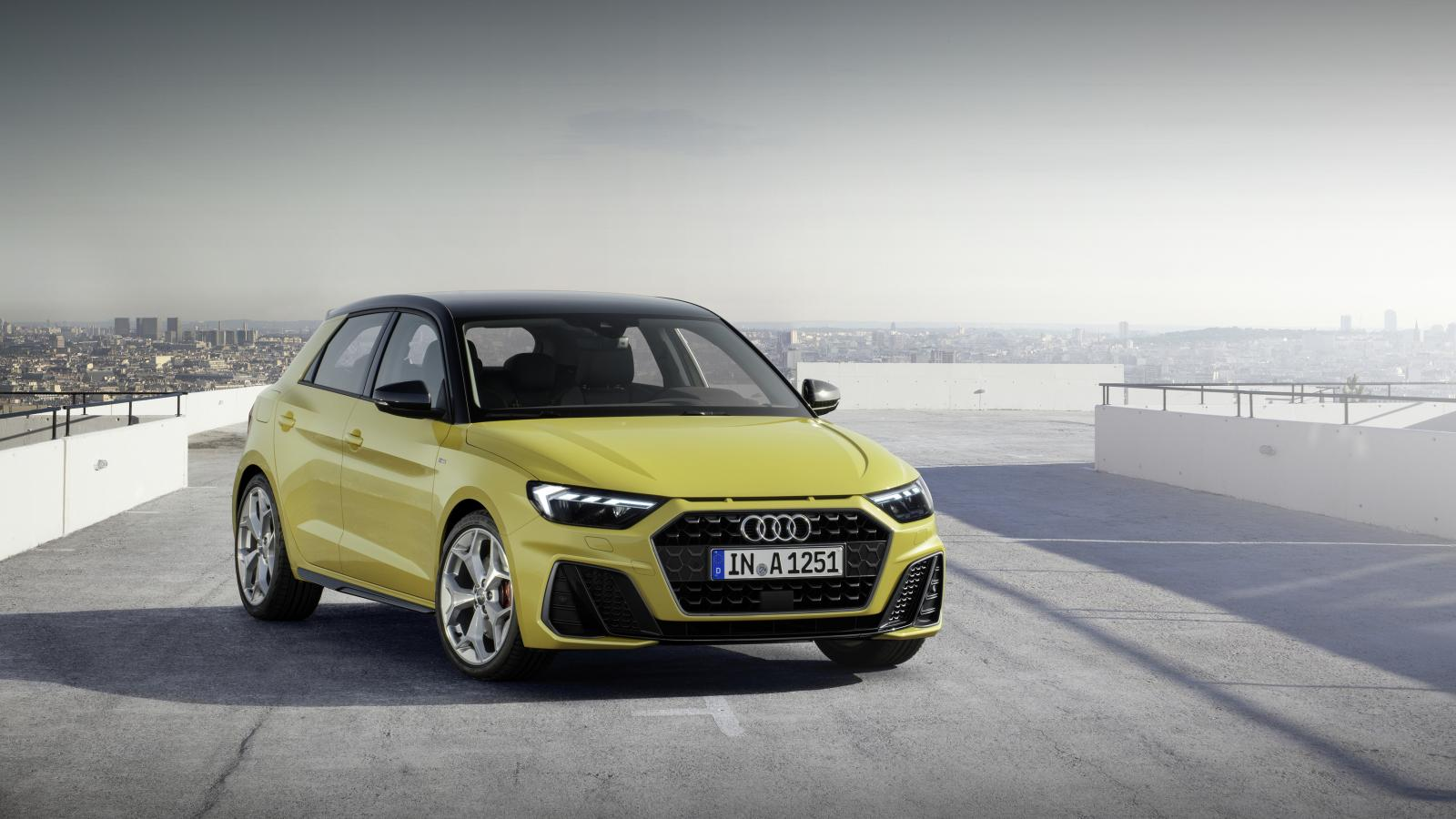 Audi A1 Sportback 30 Urban 2020 color amarillo