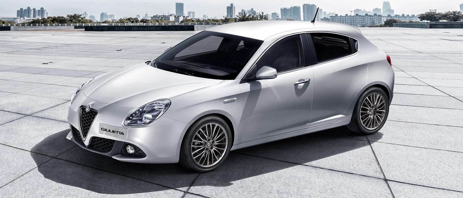 Alfa Romeo Giulietta 2020 color platino