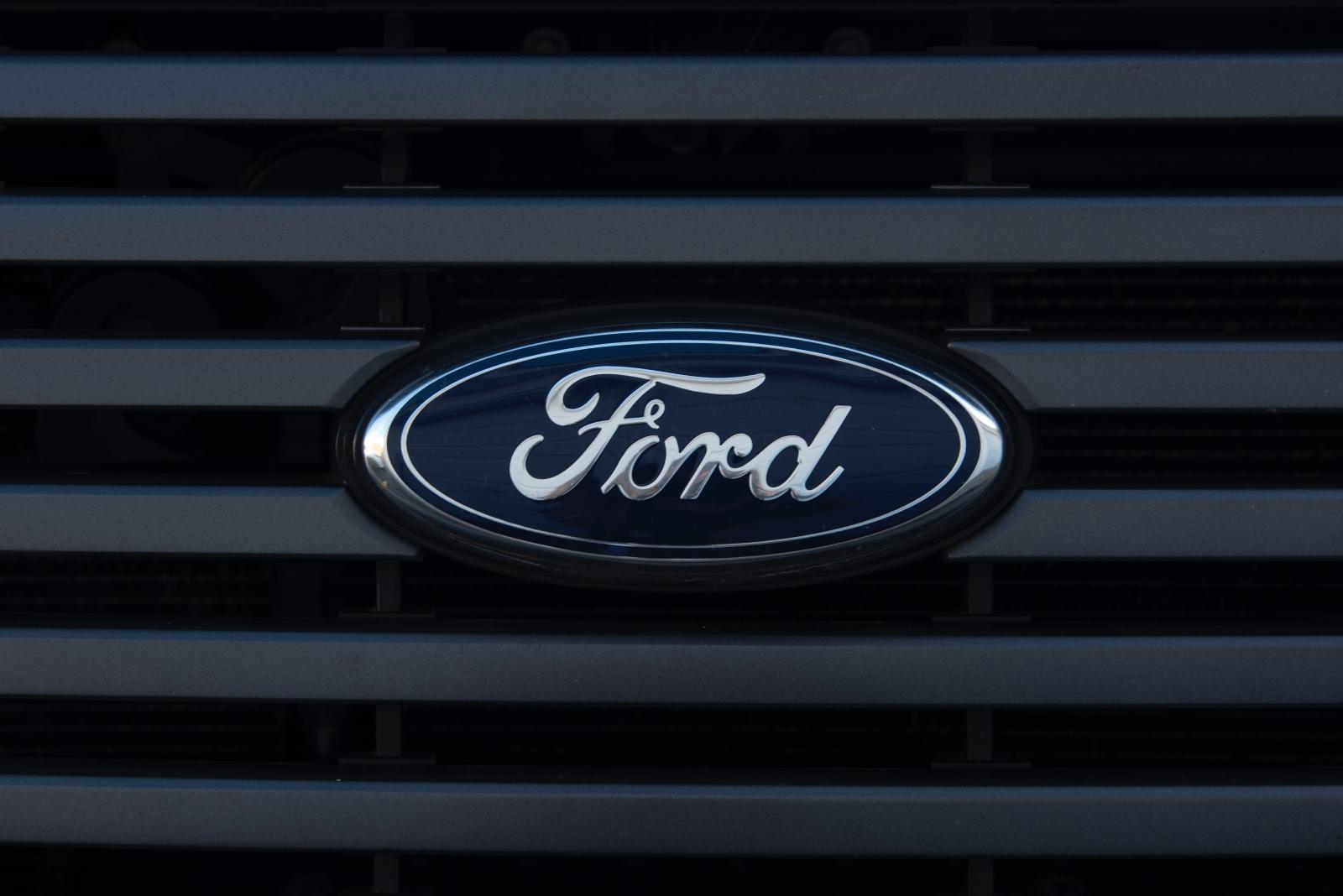 Ford Apolo