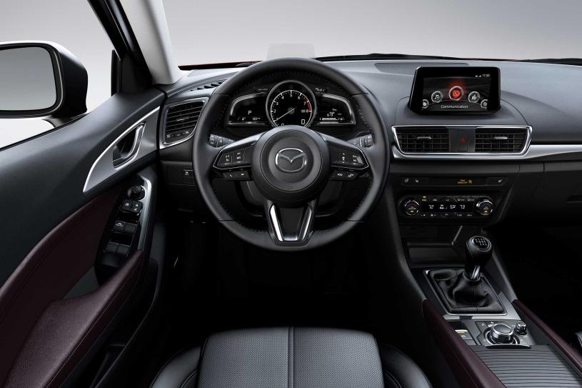 Un diseño confortable en su interior del Mazda 3 i Touring 2018