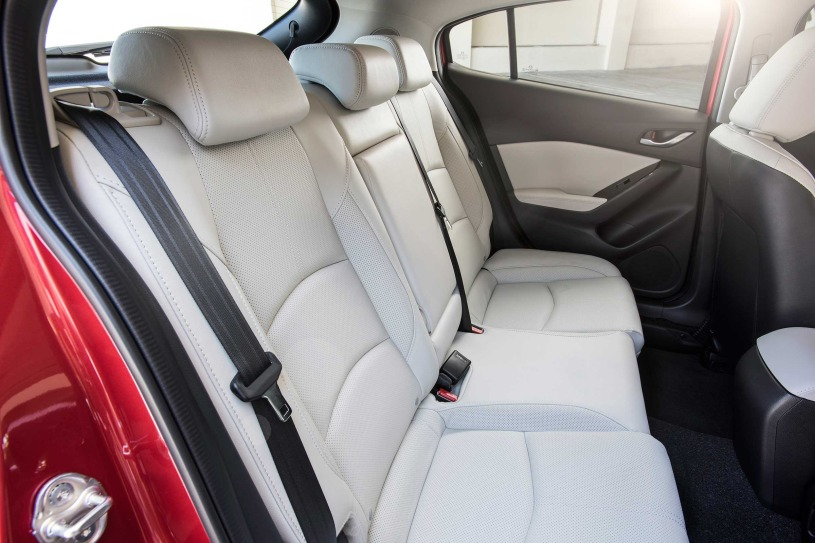 Mazda 3 i Touring no es el coche que ofrece más espacio tanto en la segunda fila de asientos