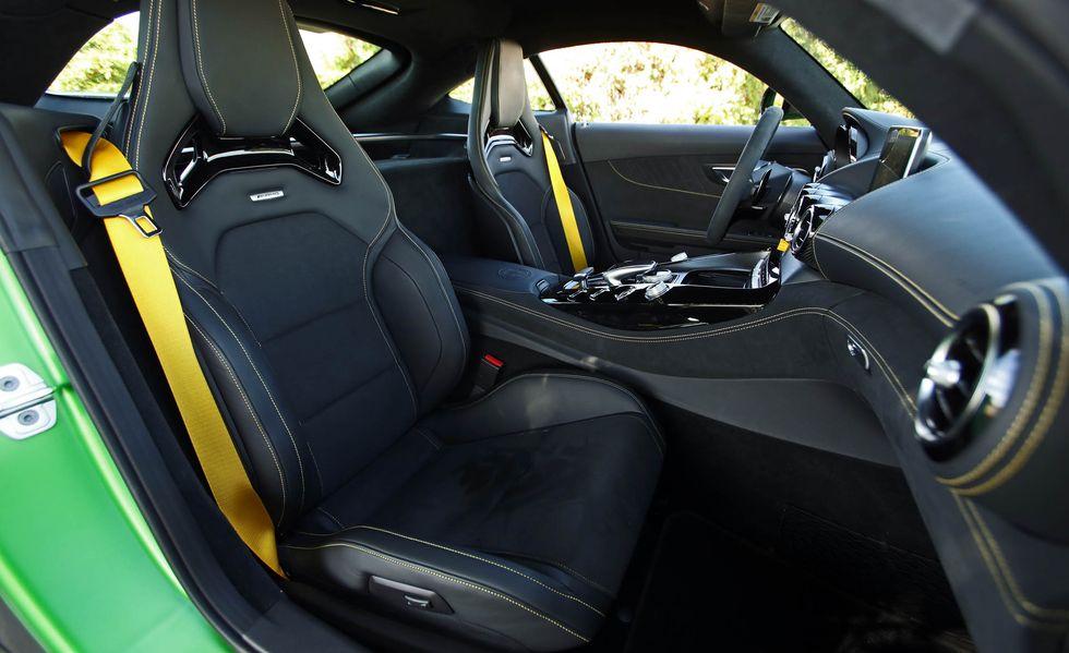 Interior del AMG GT R
