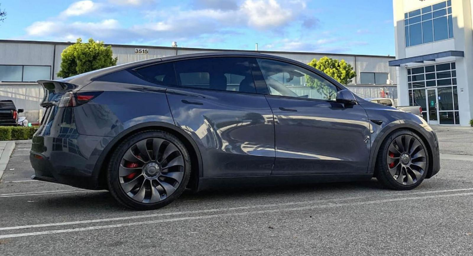 Tesla Mode Y 2020