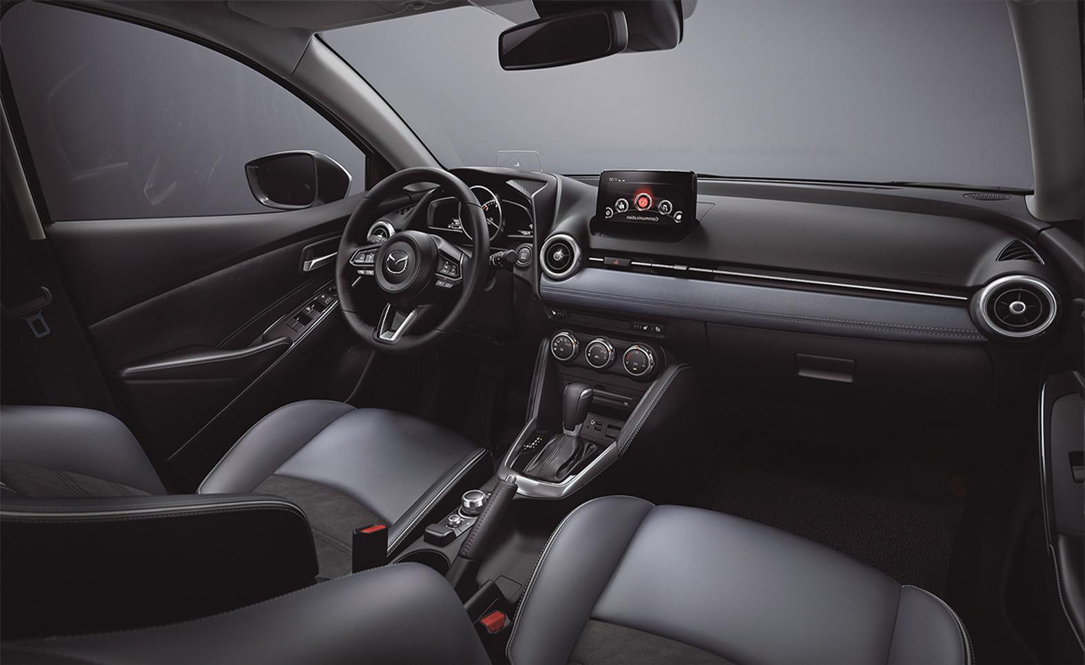 El Mazda 2 Hatchback i Grand Touring AT 2020 resena opiniones tiene un nuevo diseño interior