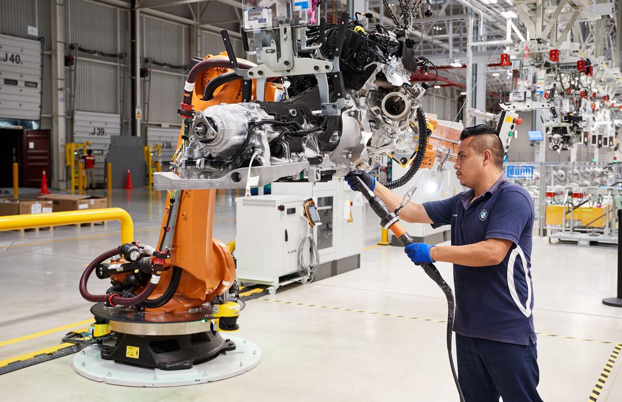Trabajadores de la industria automotriz