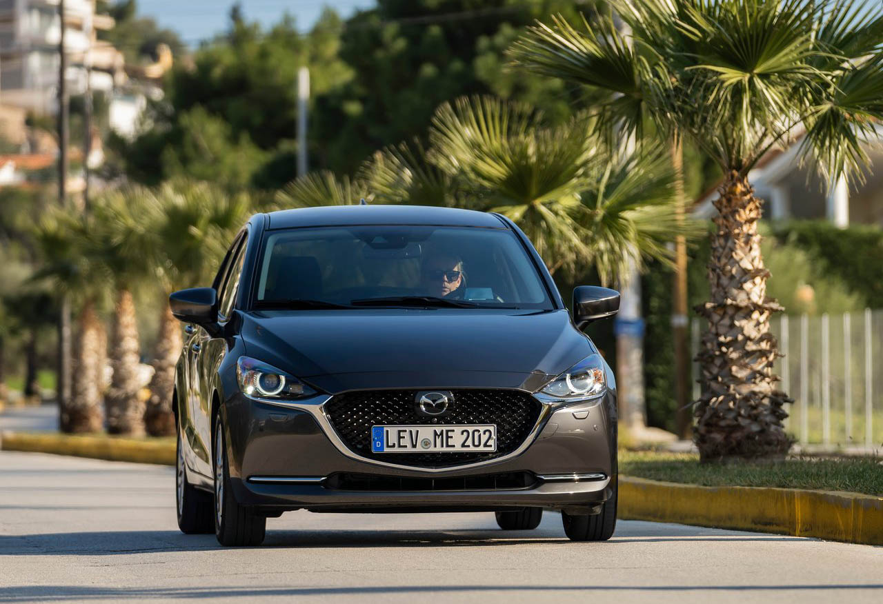 El Mazda 2 Hatchback i Grand Touring AT 2020 resena opiniones tiene un perfil juvenil