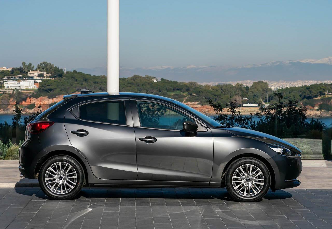 El Mazda 2 Hatchback i Grand Touring AT 2020 resena opiniones tiene una apariencia más deportiva