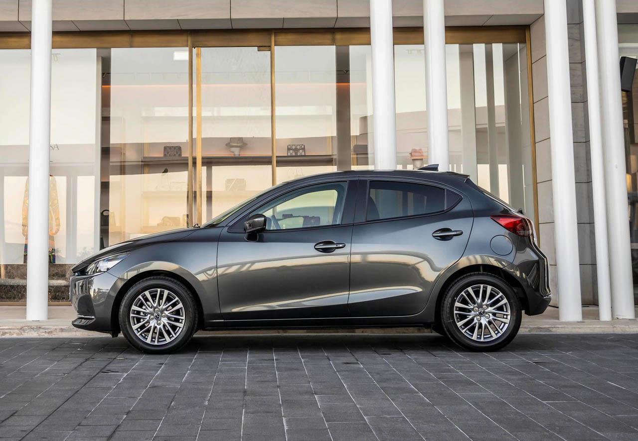 El Mazda 2 Hatchback i Grand Touring AT 2020 resena opiniones tiene una buena posición de manejo