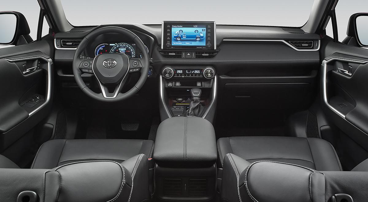 La cabina Toyota RAV4 Hybrid 2020 resena opiniones ofrece buen espacio en las 2 filas