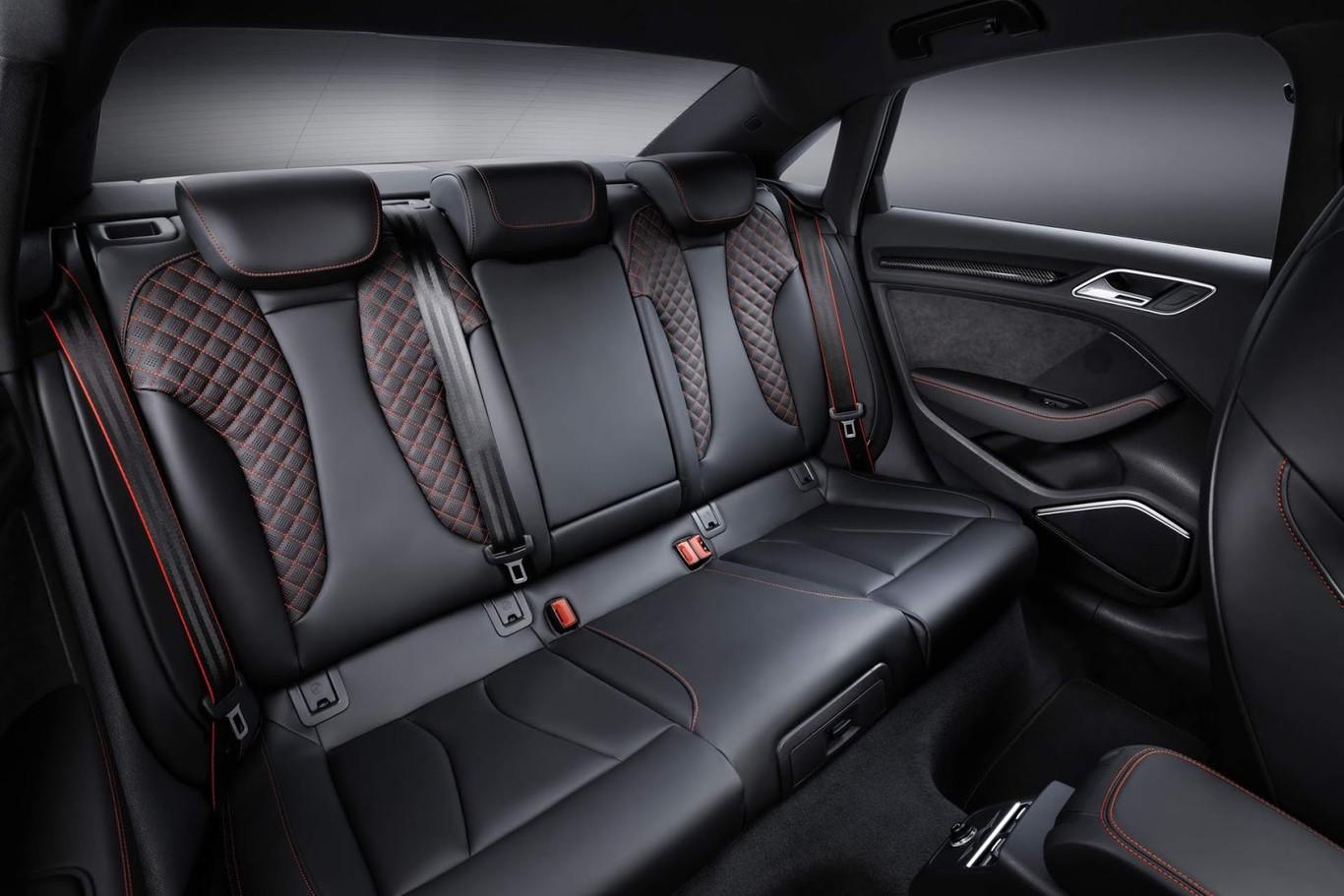 audi-rs3-nardo-edition-asientos