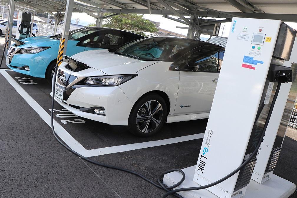 ¿En qué país es más barato y más caro comprar un auto eléctrico?