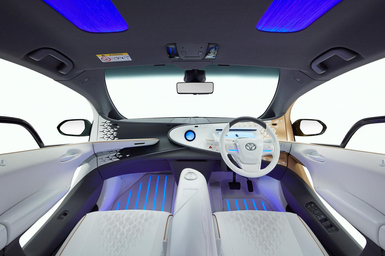 Toyota ha mostrado su idea de electrificación a futuro con el Toyota LQ