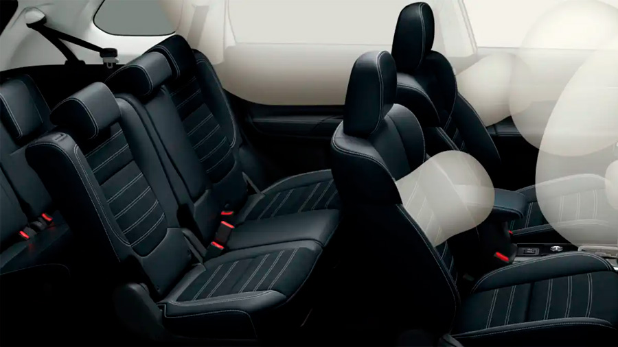 Mitsubishi Outlander Limited 2020 resena opiniones tiene un total de 7 bolsas de aire