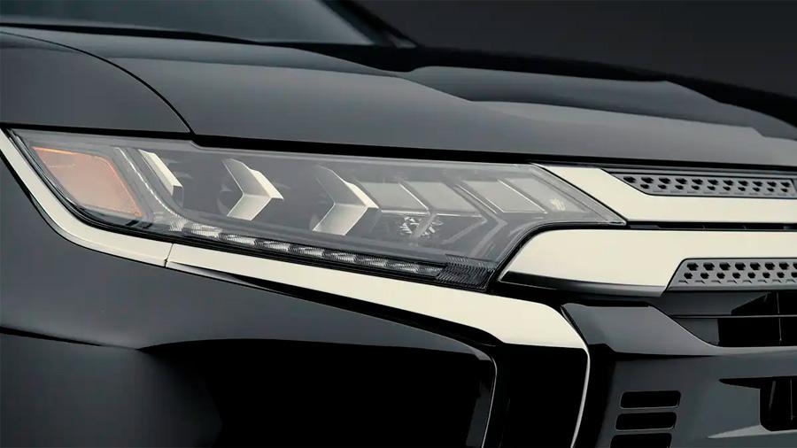 Las luces principales Mitsubishi Outlander Limited 2020 resena opiniones utilizan tecnología LED