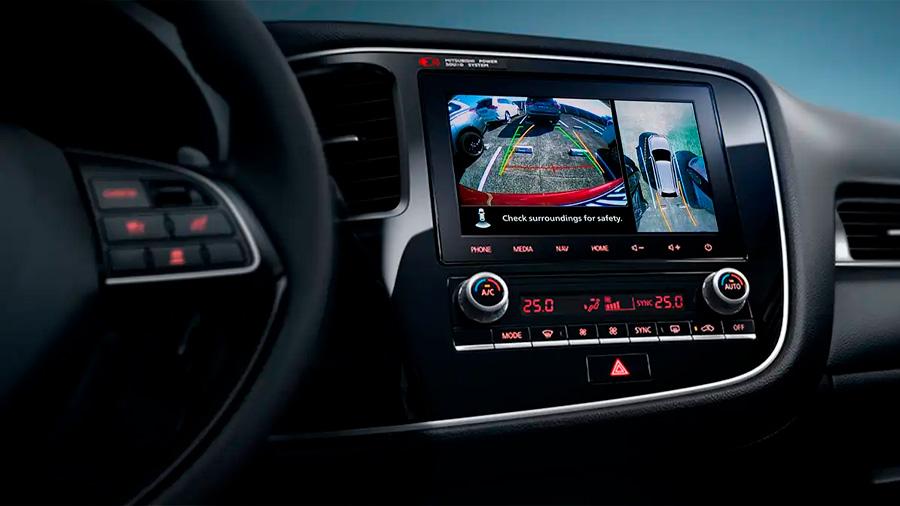 Mitsubishi Outlander Limited 2020 resena opiniones Integra en la parte superior de la consola una pantalla táctil de 8 pulgadas