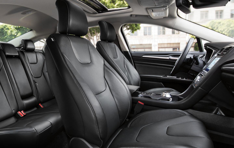 El interior del Ford Fusion Titanium 2020 resena opiniones es muy cómodo