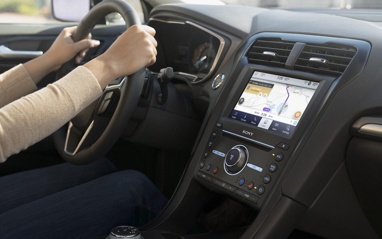 El Ford Fusion Titanium 2020 resena opiniones tiene pantalla táctil
