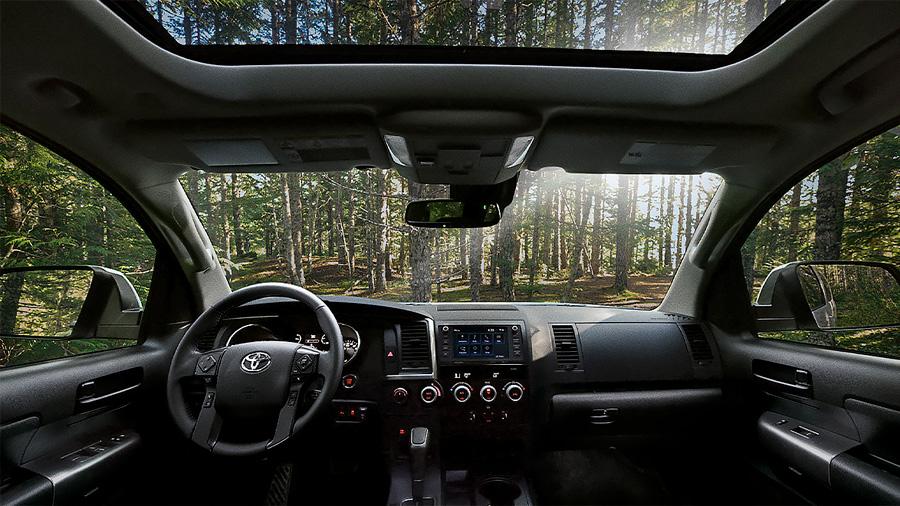 Toyota Sequoia Platinum 2020 resena opiniones Es una camioneta de cabina amplia y con espacio suficiente en las 3 filas