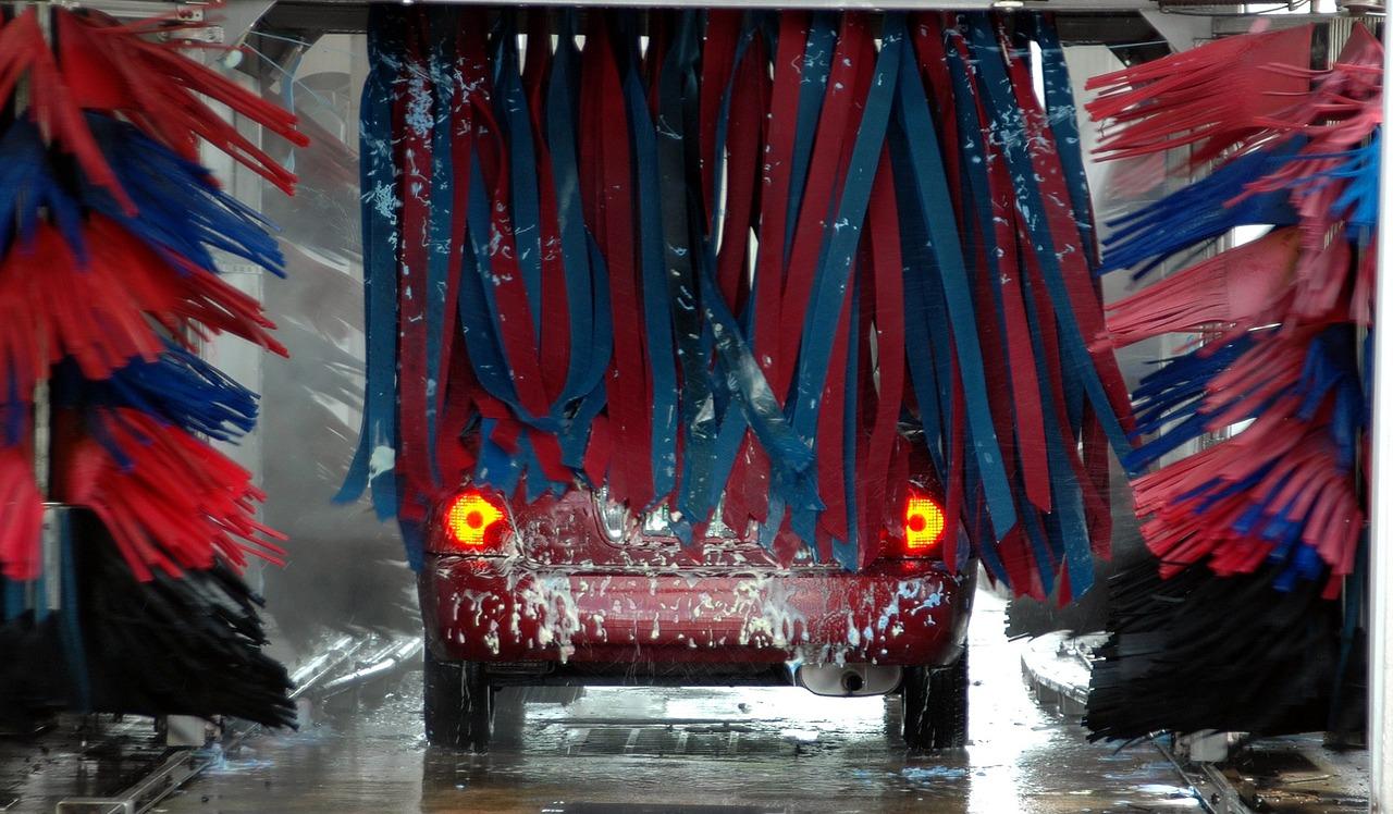 Lavar el auto tiene diferentes opciones