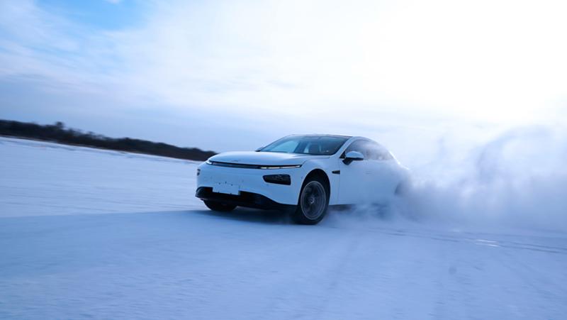 Xpeng P7 pruebas nieve