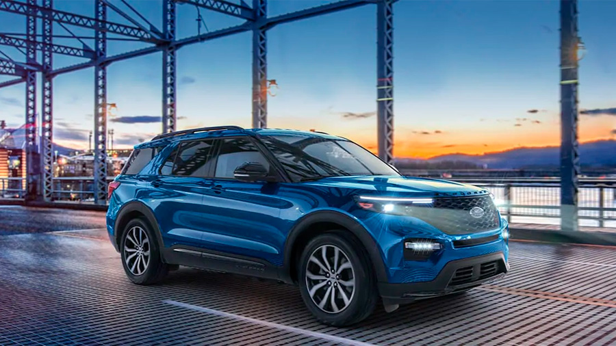 La Ford Explorer ST 2020 resena opiniones lleva luces principales LED