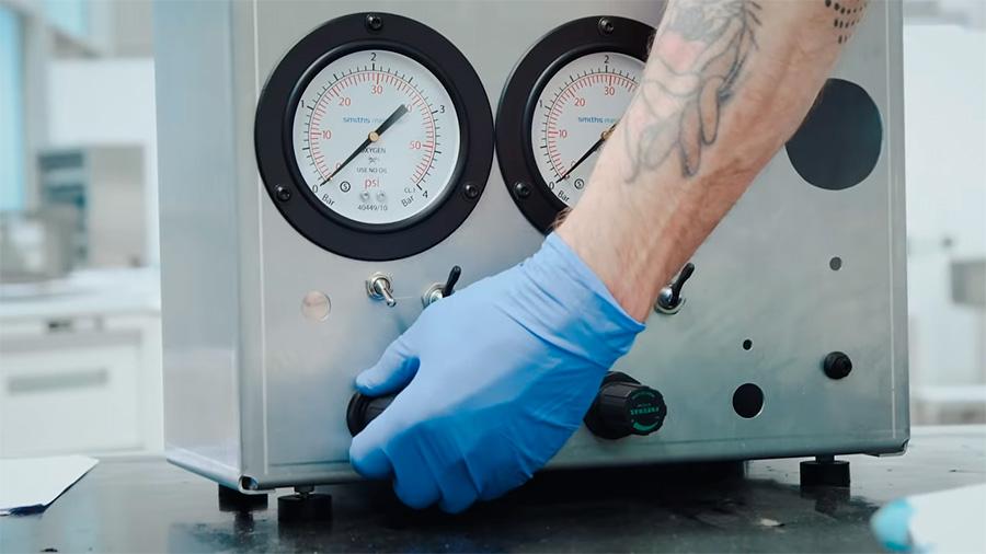 McLaren está fabricando respiradores en su planta de Woking
