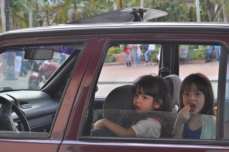 ¿Tu hijo viaja de la forma correcta en el auto?