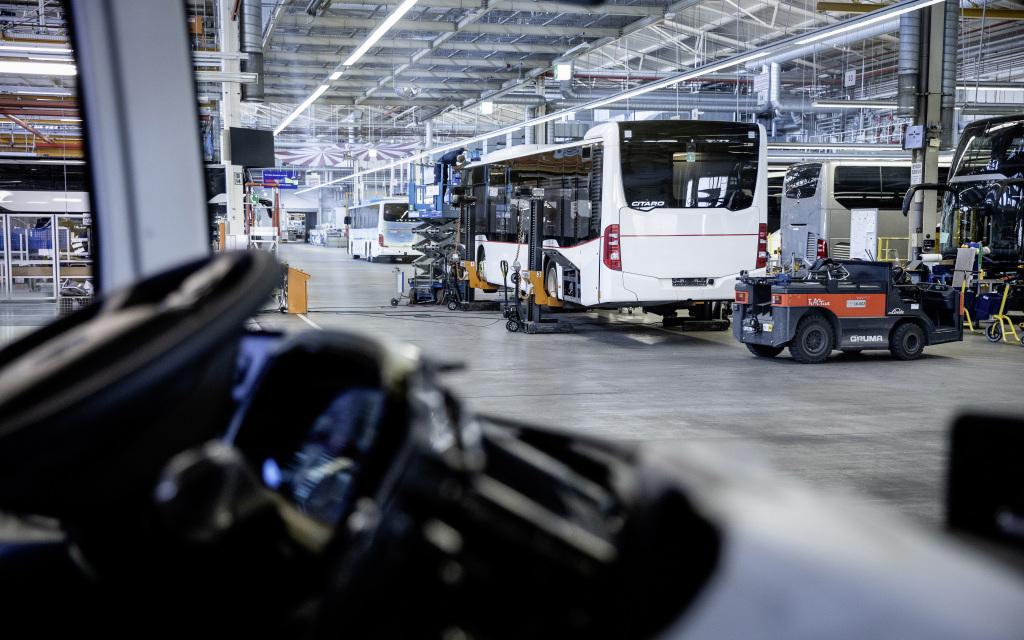 Mercedes-Benz convierte un Citaro en una enorme ambulancia