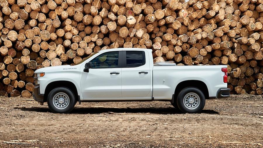 Chevrolet Silverado Doble Cabina 4x4 2020 resena opiniones monta rines de acero de 17 pulgadas