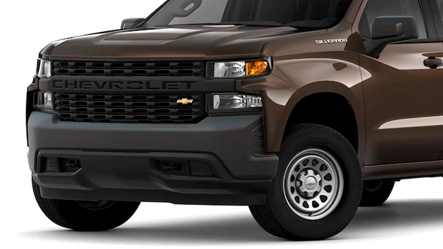 Lleva equipamiento exterior Chevrolet Silverado Doble Cabina 4x4 2020 resena opiniones para el remolque, en caso de requerir de esta característica en el trabajo