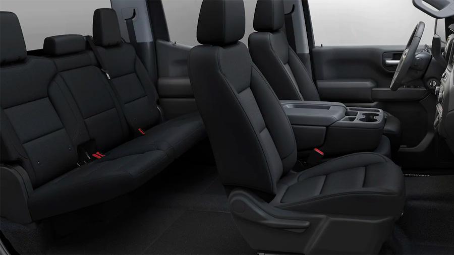 El interior Chevrolet Silverado Doble Cabina 4x4 2020 resena opiniones es espacioso y con un enfoque práctico