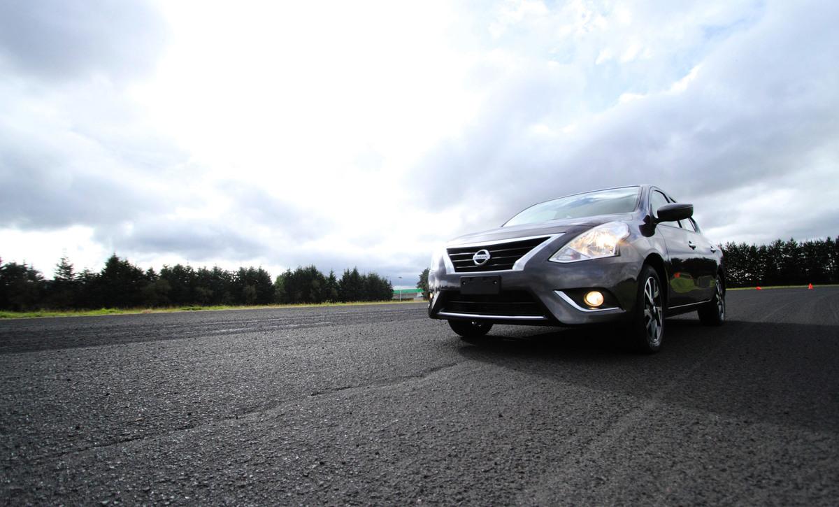 Nissan Versa 2019 Nissan Versa 2020 comparativa