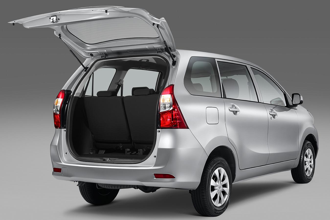 La Toyota Avanza XLE 2020 resena opiniones también tiene tres filas de asientos