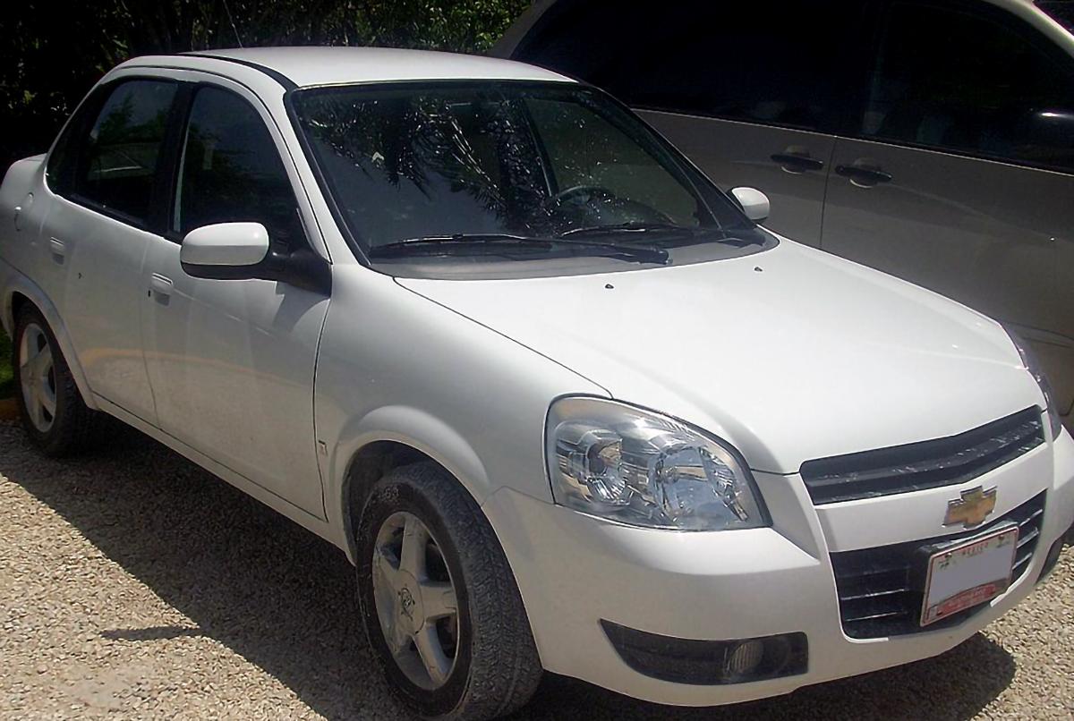 Chevrolet Chevy color blanco
