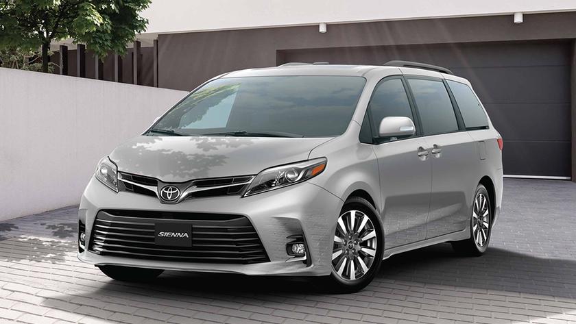 La Toyota Sienna es una de las pocas minivan que sobreviven en el país