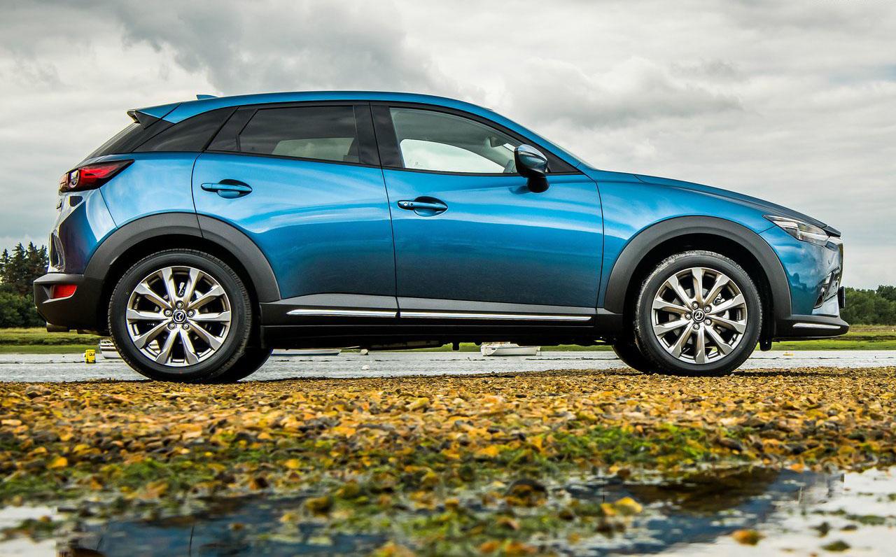 La Mazda CX-3 precio mexico tiene asientos de piel en la versión tope de gama
