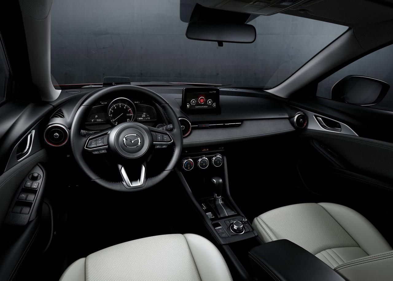 La Mazda CX-3 precio mexico tiene buenos acabados interiores
