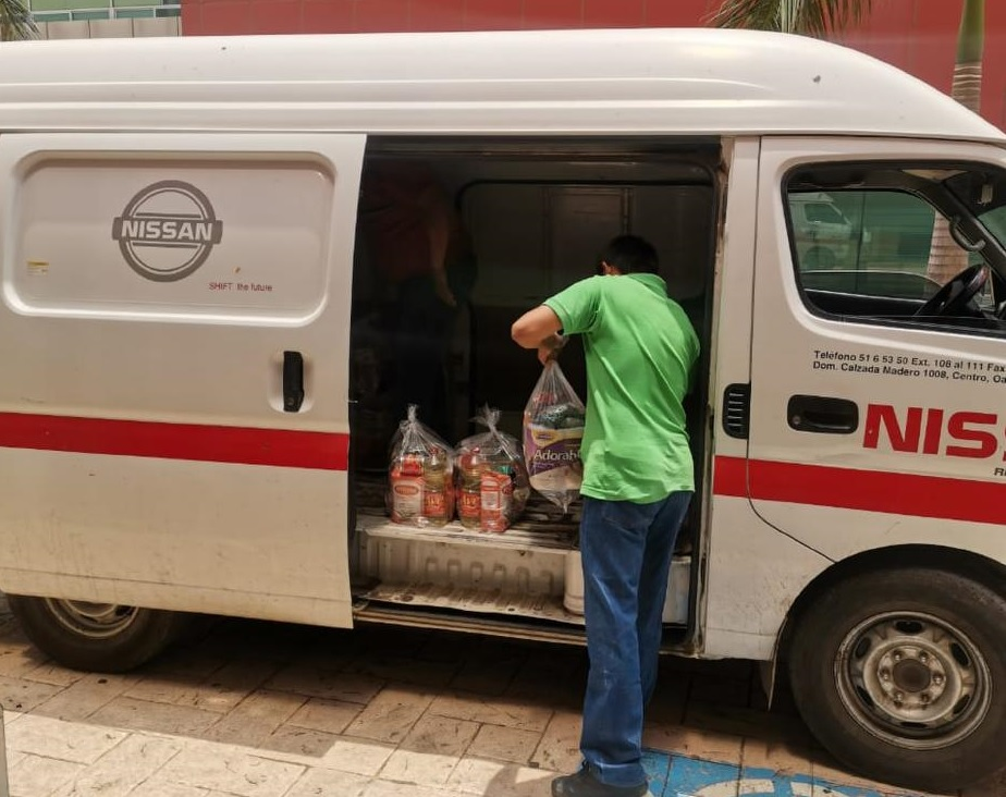 Nissan entrega vehículos para transporte de personal médico