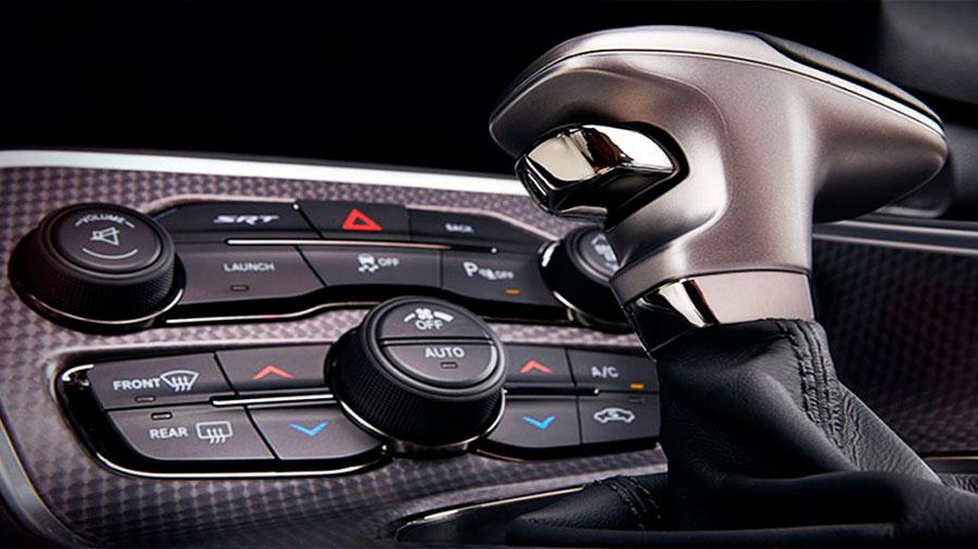 El interior está diseñado para maximizar las sensaciones y ser práctico para el conductor