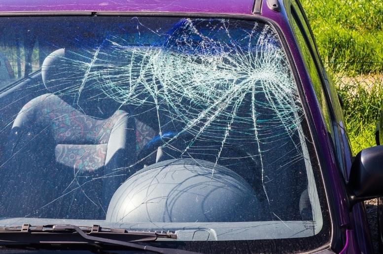 Más accidentes mortales en autos subcompactos según el IIHS
