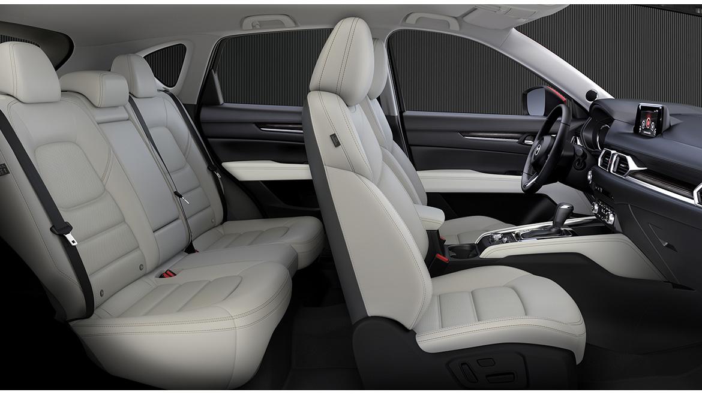 La Mazda CX-5 está bien equipada por dentro