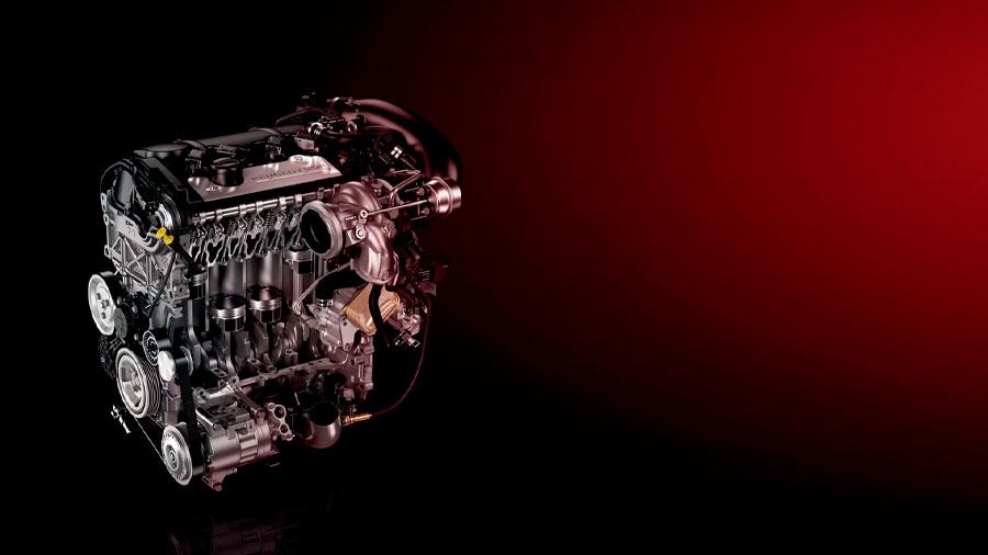 Rueda con un motor 4 cilindros turbocargado con 270 caballos de fuerza