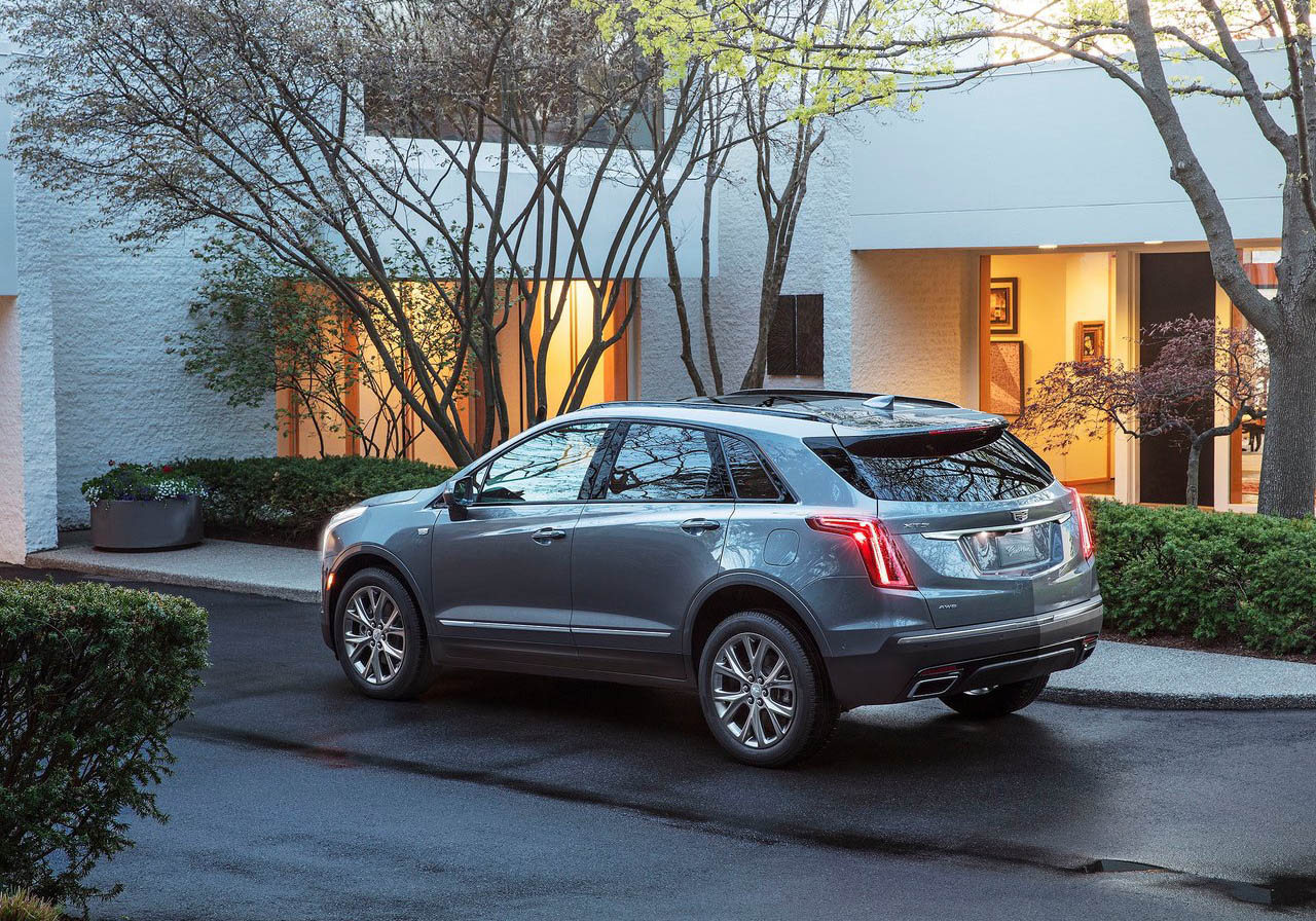 La Cadillac XT5 precio mexico solo tiene dos versiones