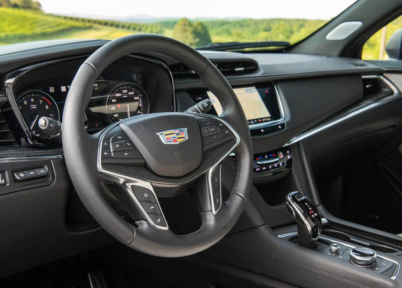 La Cadillac XT5 precio mexico tiene buen equipamiento