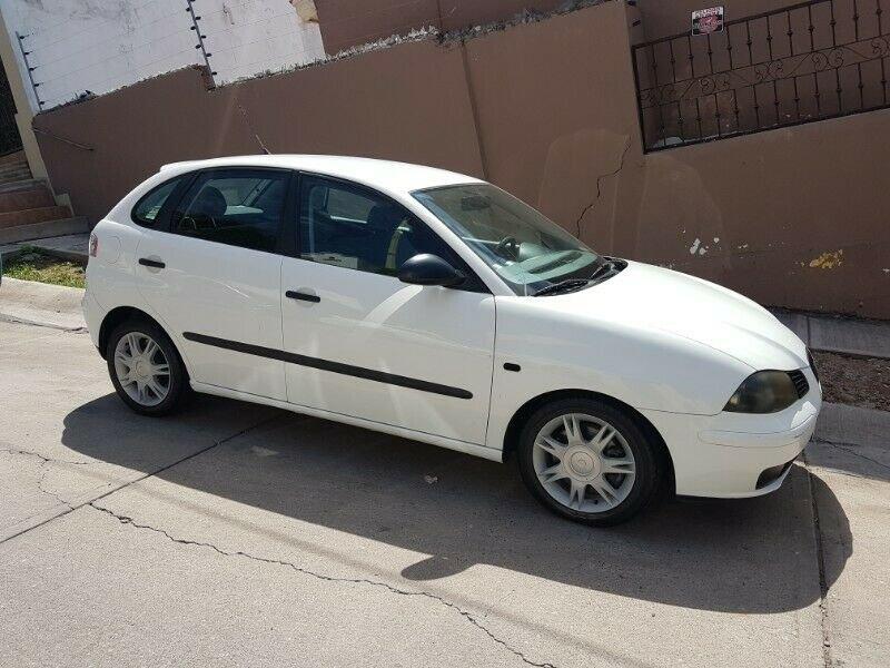 SEAT Ibiza blanco hatchback usados baratos