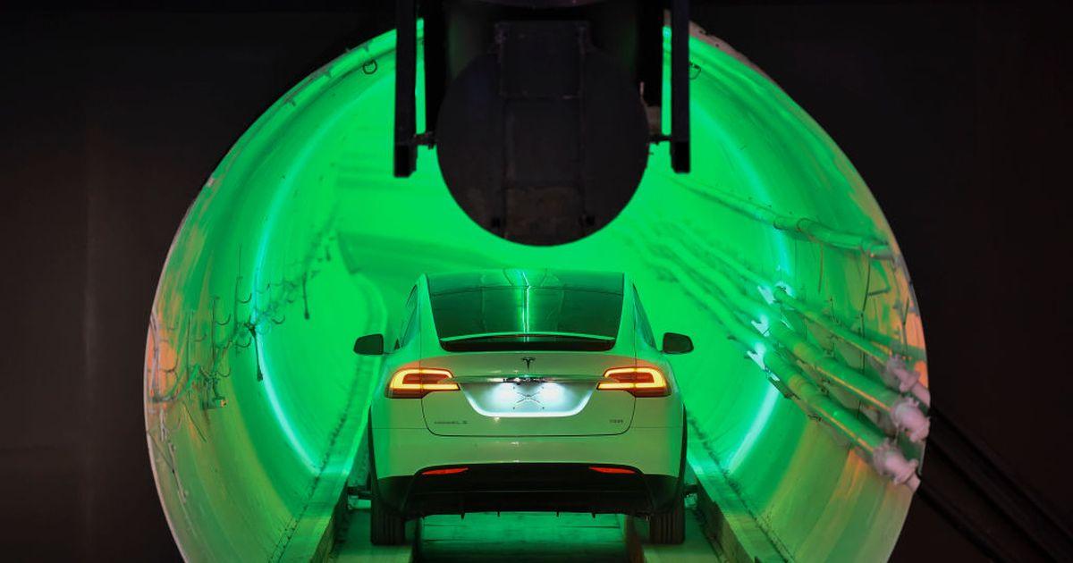 Tesla estaría trabajando en una van para 12 pasajeros