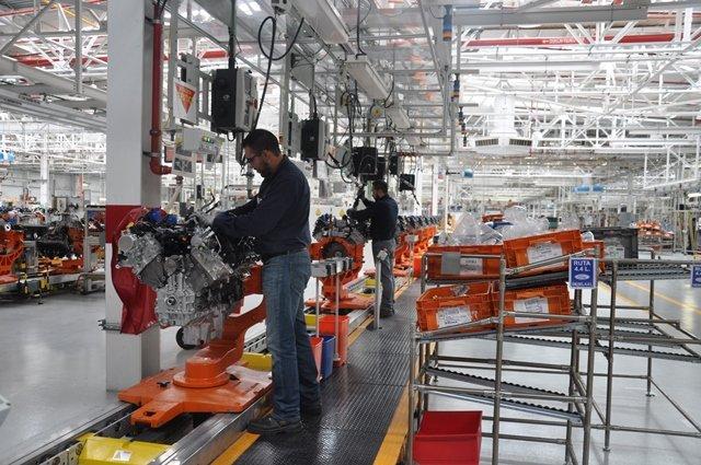 La producción de autos mantuvo el descenso drástico