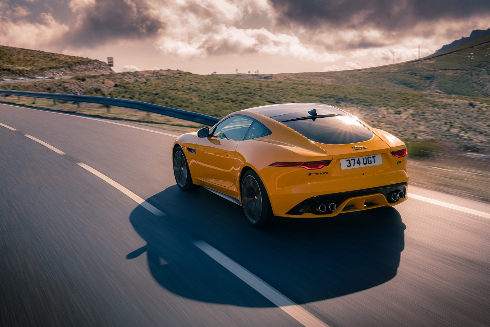 autos para 2 personas Jaguar F type