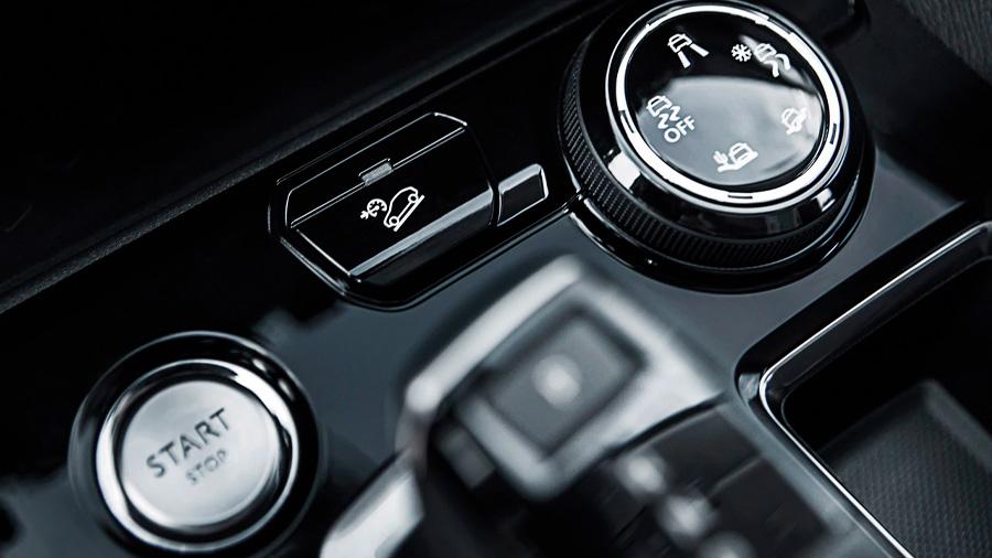 Los botones y mandos están distribuidos de forma lógica e intuitiva